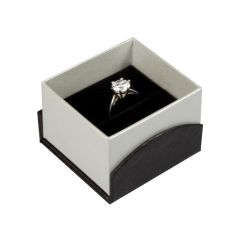 Papillon Black Ring Box